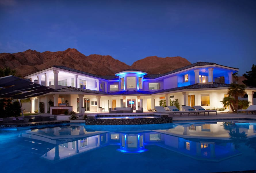 Las vegas luxury real estate communities re max 702 508 8262 for Million dollar luxury homes